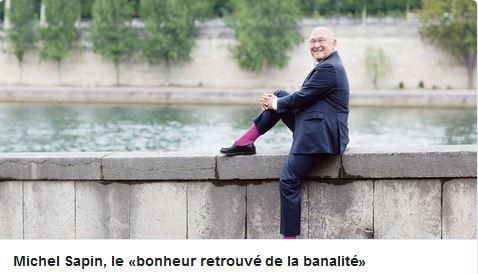 Sapin heureux en chaussettes rose !.jpg